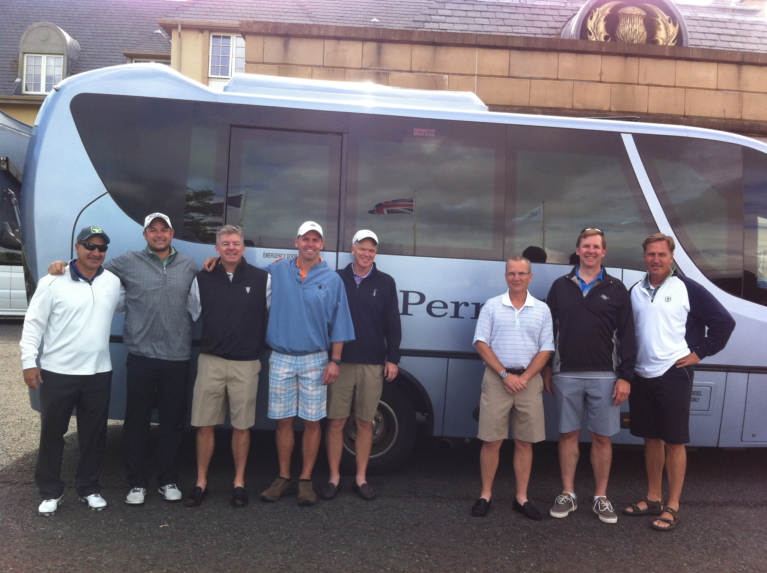 PerryGolf guests outside Fairmont St Andrews with VIP Coach & Concierge Driver