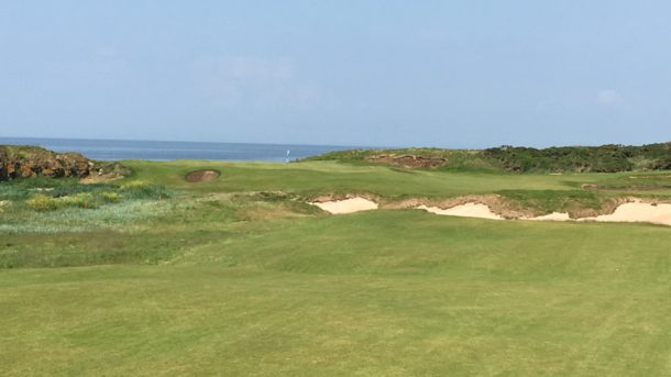 The Ailsa Course at Trump Turnberry - Dramatic approach shot on the new 10th hole - PerryGolf.com