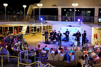 Azamara Entertainment and Lounges