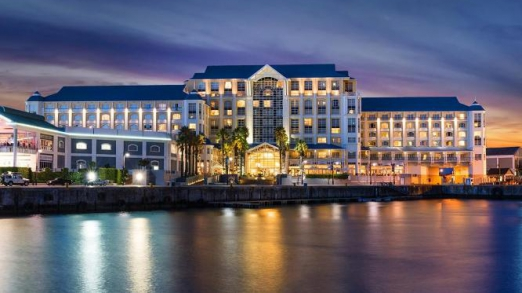 TABLE BAY HOTEL: CAPE TOWN, SOUTH AFRICA