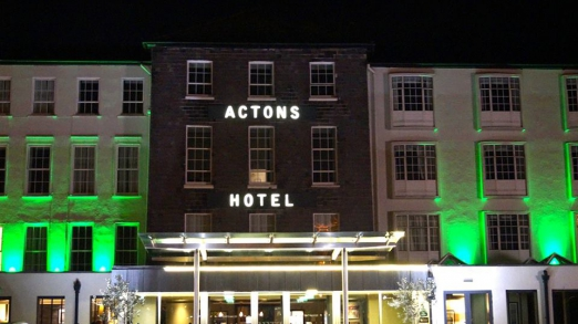 Actons - exterior