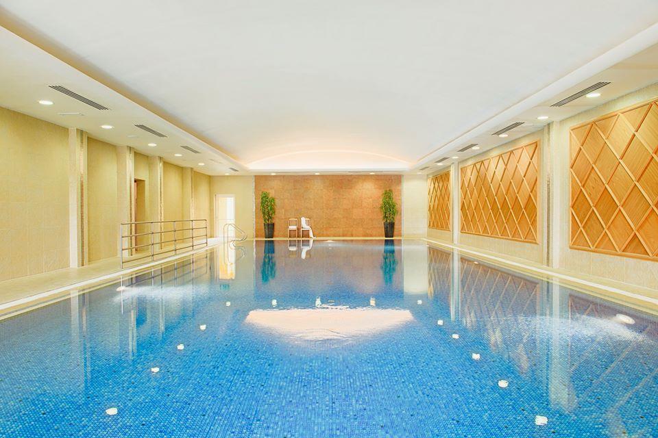 Killarney park hotel ireland golf packages perrygolf for Glasshouse hotel sligo swimming pool
