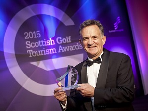 PerryGolf Co-Founder, Colin Dalgleish, receives Special Recognition Award at the 2015 Scottish Golf Tourism Awards