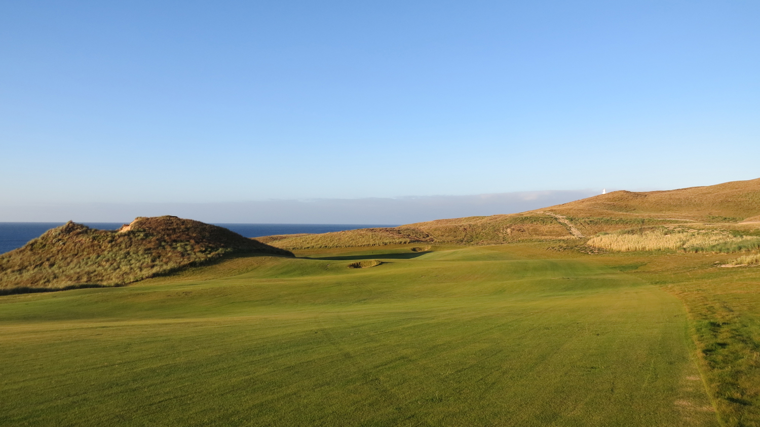 Cape Wickham - 14th Hole, Par 4 | Image via Cape Wickham Links