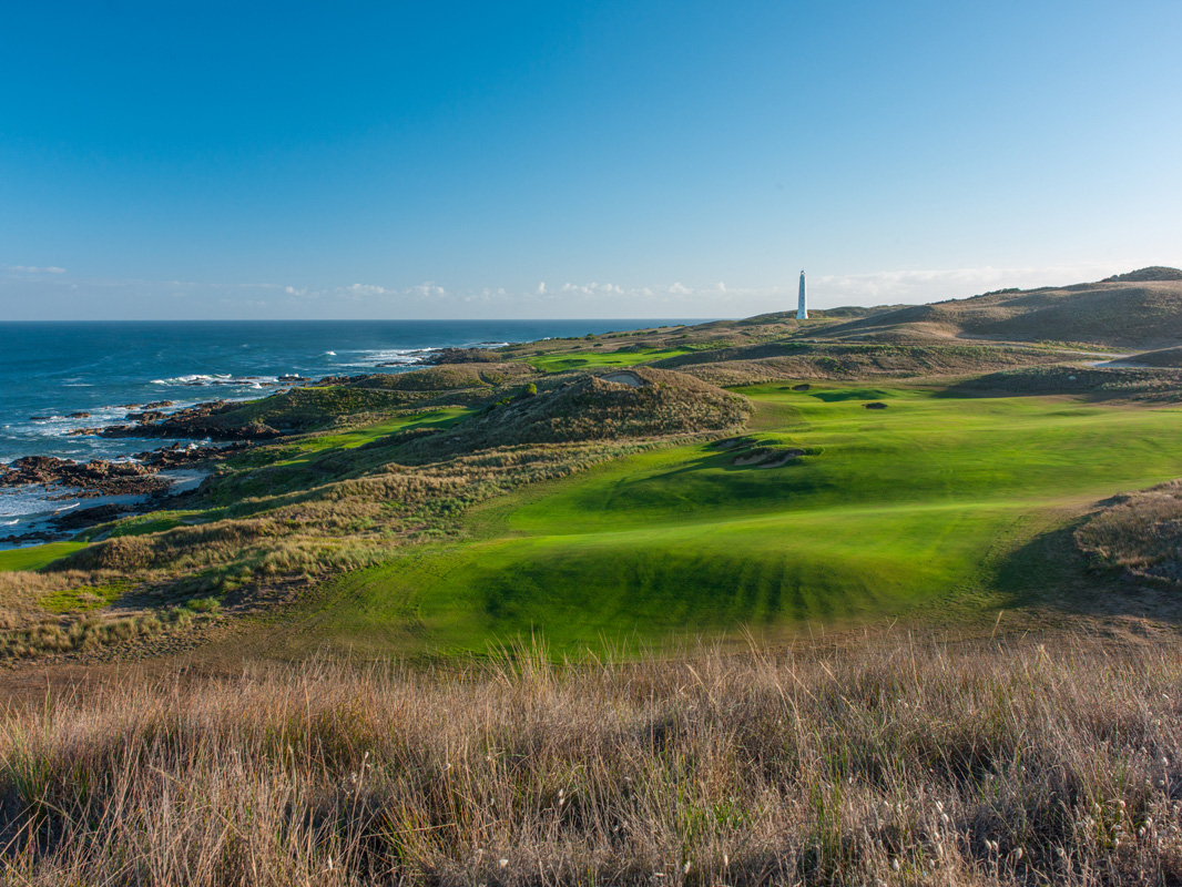 Cape Wickham - 14th Hole, Par 4 | Image via Larry Lambrecht Photography