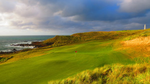 Cape Wickham - 17th Hole, Par 3 behind the green | Image via Cape Wickham Links