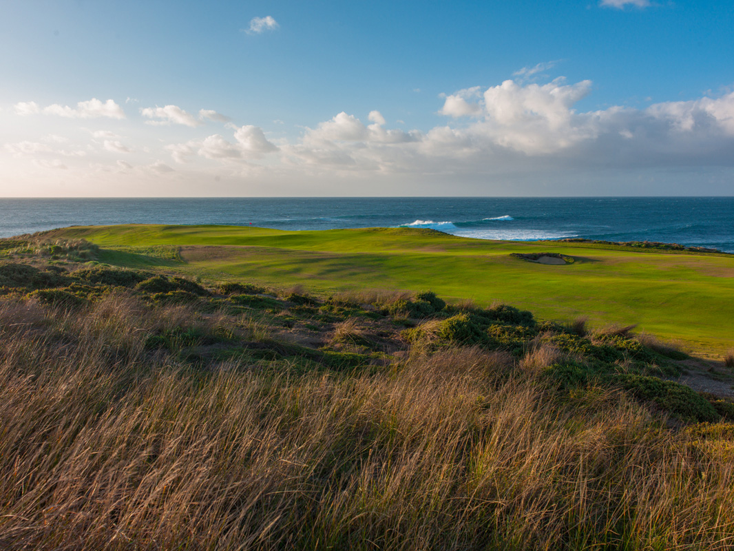 Cape Wickham - 2nd Hole, Par 4 | Image via Larry Lambrecht Photography