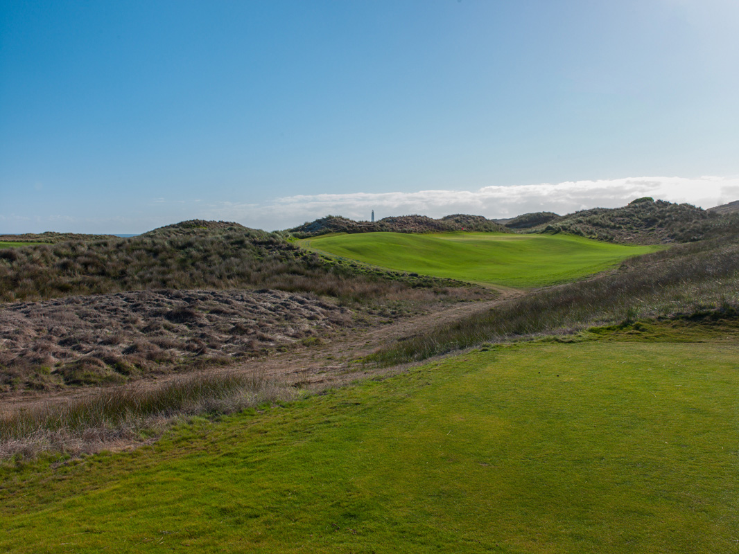 Cape Wickham - 7th Hole, Par 3 | Image via Larry Lambrecht Photography