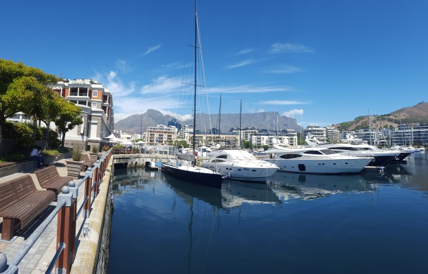 V&A Waterfront - The Best of South Africa Escorted - PerryGolf.com