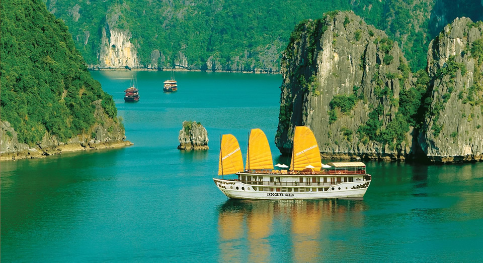 Indochine Sails in Halong Bay