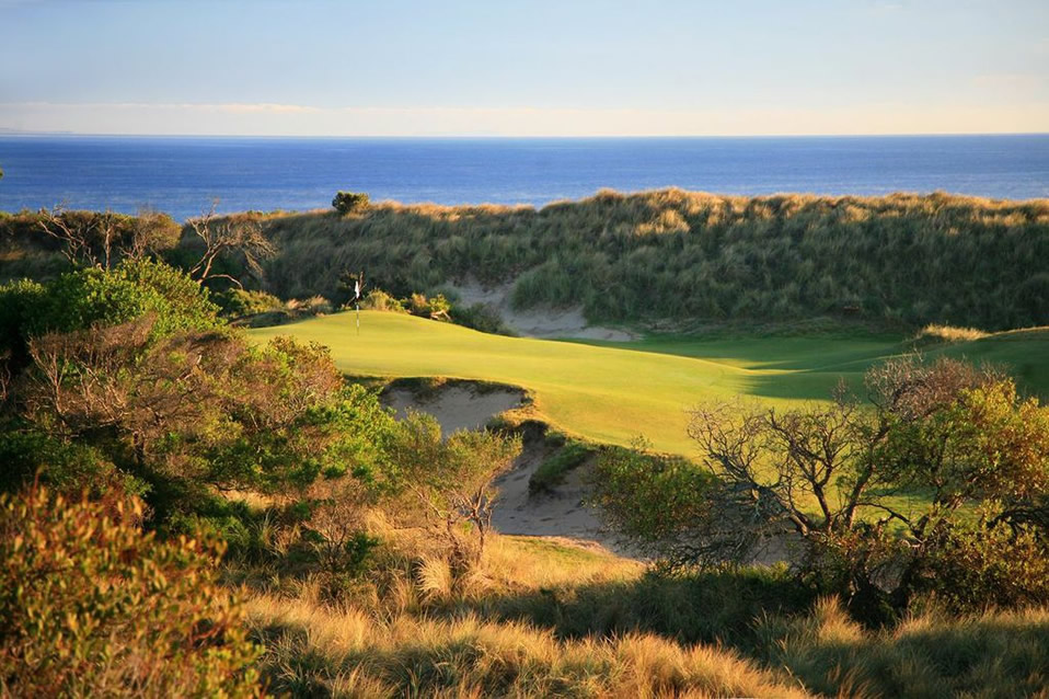 Barnbougle Dunes Golf Club by Gary Lisbon
