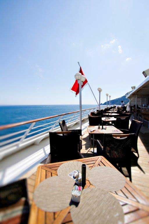 Deck-Dining-on-Azamara