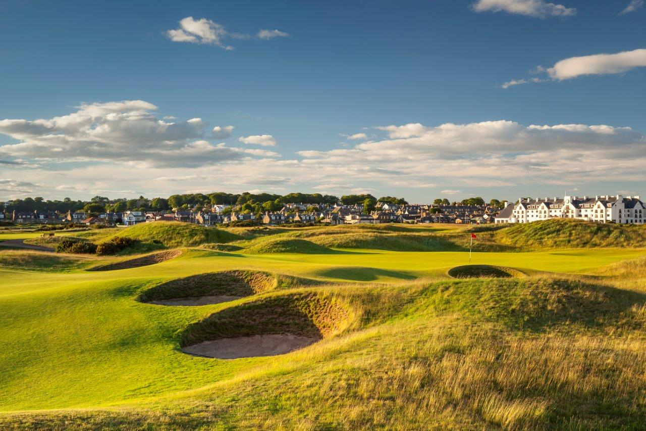 CARNOUSTIE GOLF LINKS: CARNOUSTIE, SCOTLAND